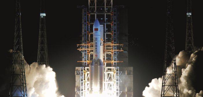 长征五号运载火箭首飞成功